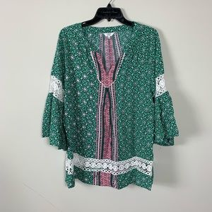 Crown and ivy blouse big sleeve small
